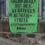 Transpi für Kurd*innen in Luzern aufgehängt